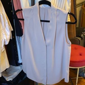 Babaton Sleeveless Power blouse